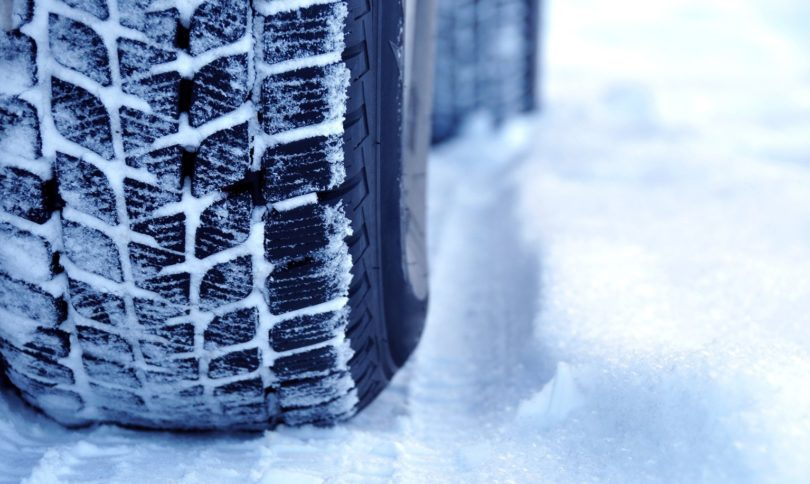 Zimní pneumatika na sněhu