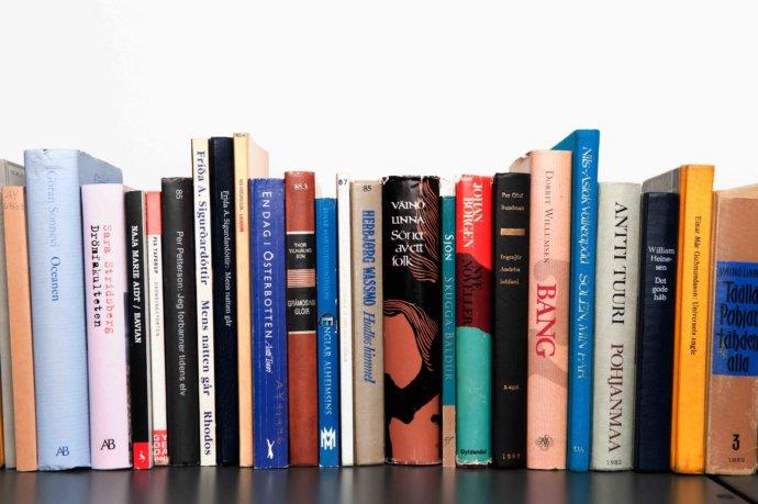 číst knihy a vzdělávat se
