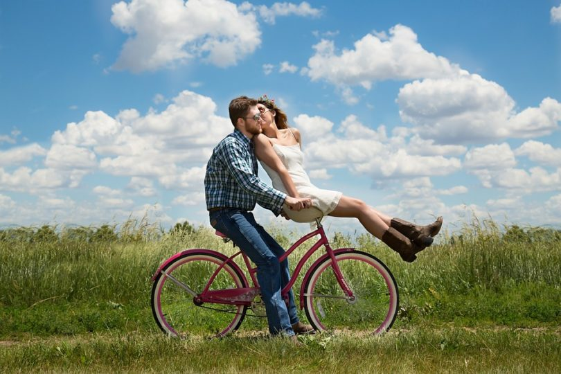 Takhle jsem si společné ježdění na kole nepředstavoval...